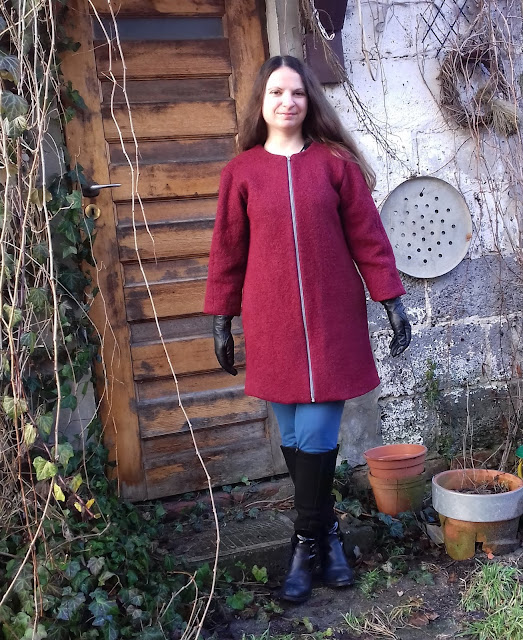 płaszcz wełniany boucle