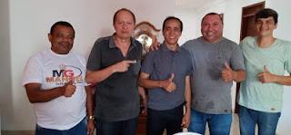 Em Mari, Jobson e esposa anunciam apoio a Marcos Martins