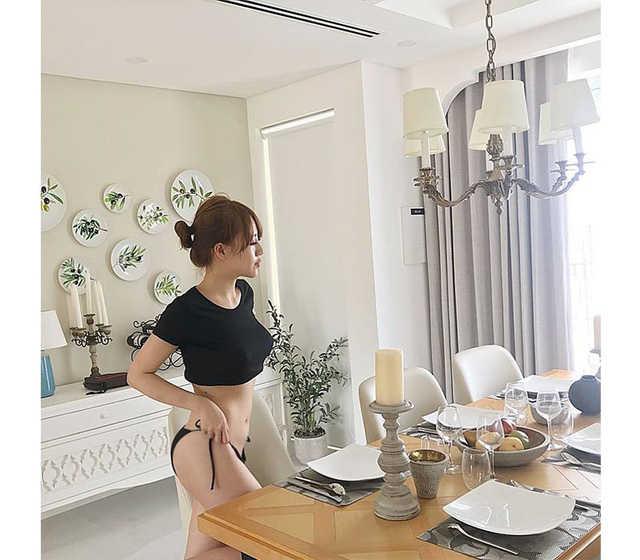 Da trắng mặt xinh, hot girl Việt cứ tung ảnh sexy là cộng đồng mạng dậy sóng
