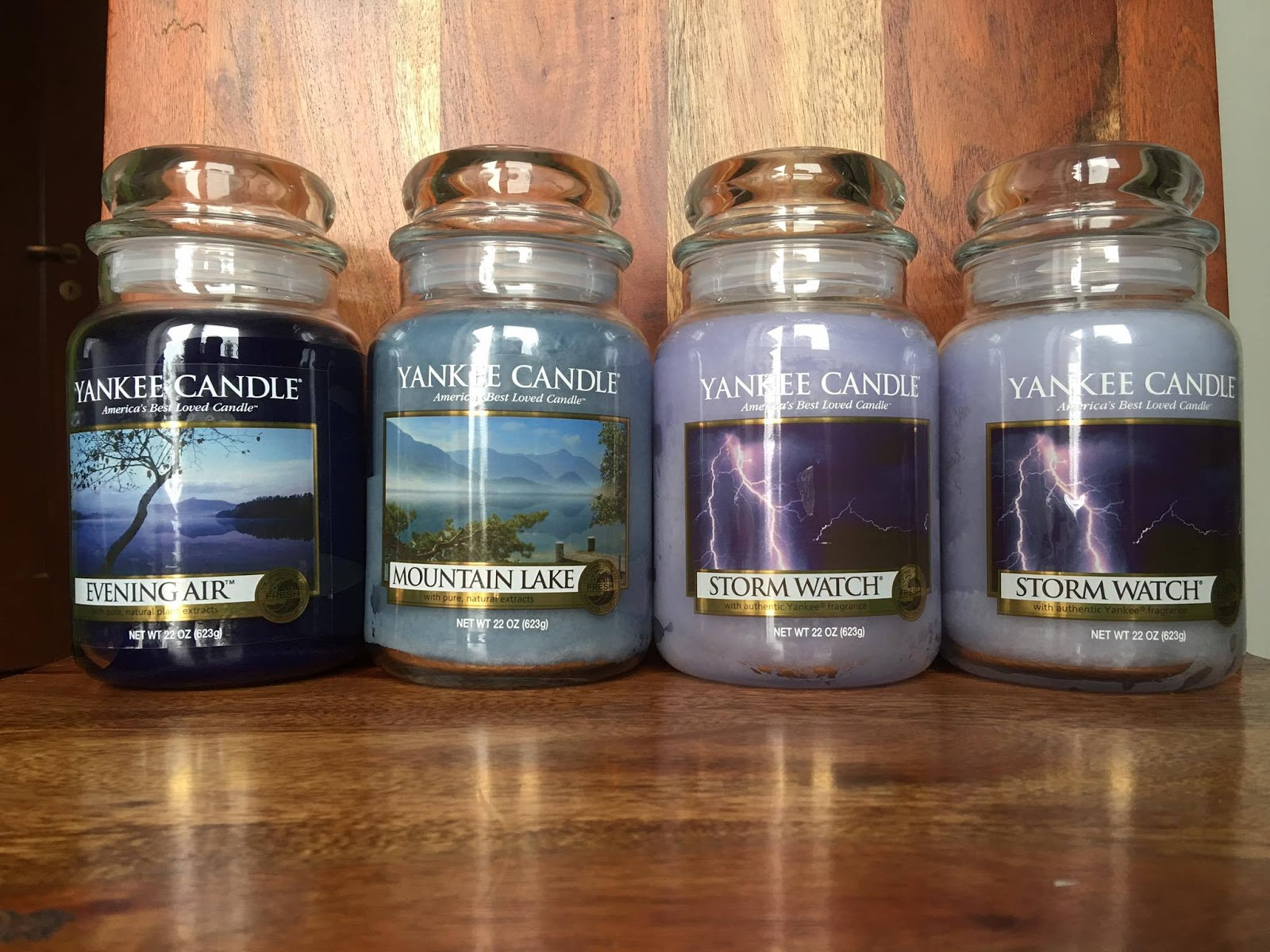 Evening Air 2017 Large Jar Deerfield Label The Scent Is A Watery Mix Of Geranium Basil Cedarwood Musk Cloves And Some Flowers Lot People