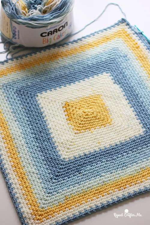 Moss Stitch in a Square Crochet Blanket - Free Pattern