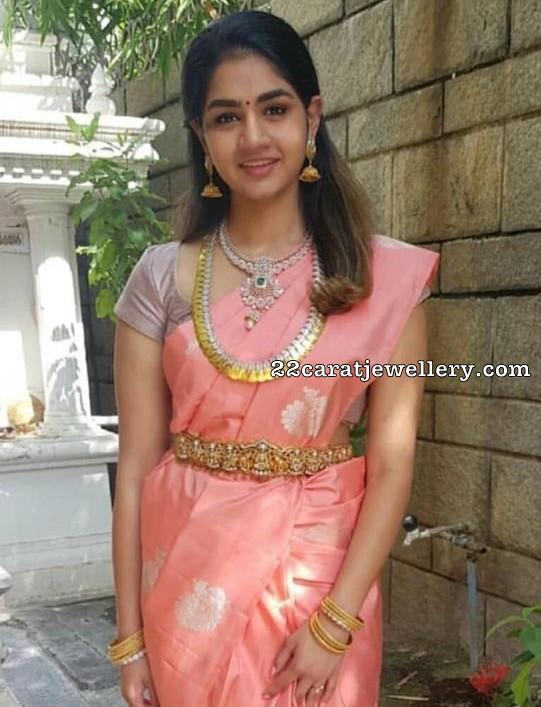 Anitha Vijaykumar Daughter Jewellery