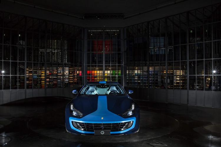 Siêu xe Ferrari GTC4 Lusso 'độc nhất vô nhị' từ Tailor Made