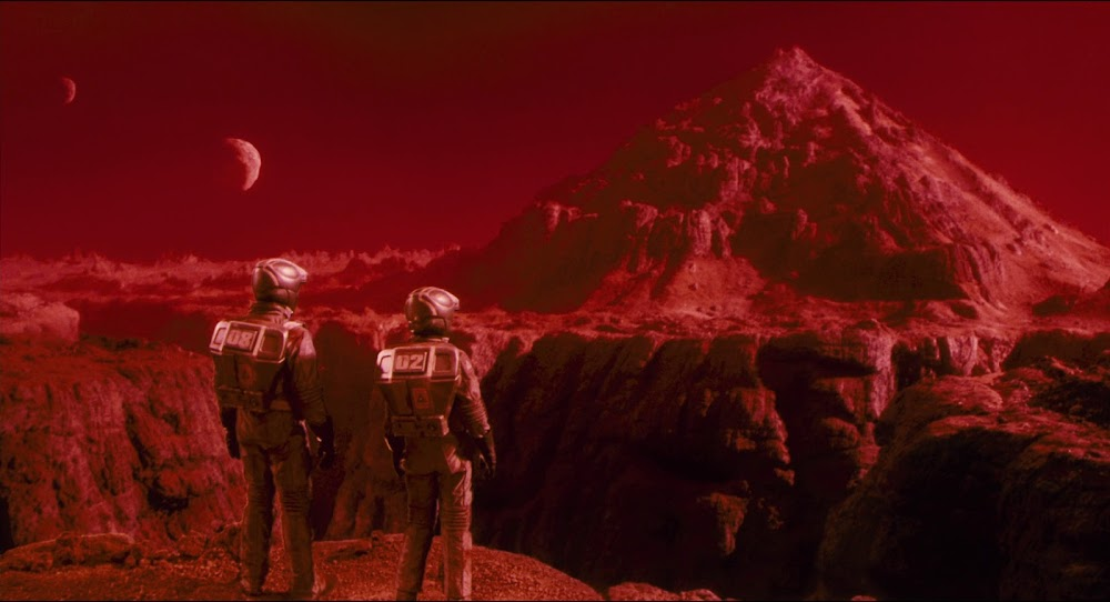 Martian mountain in Total Recall 1990 movie