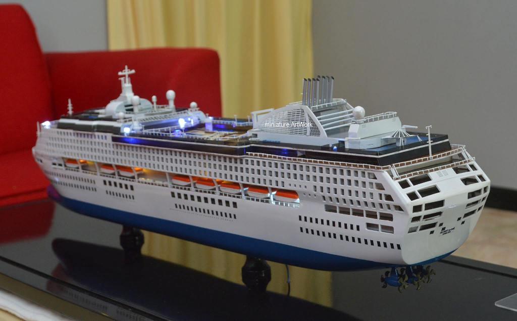 souvenir maket miniatur kapal pesiar sun princess cruises ship pacific world bergaransi