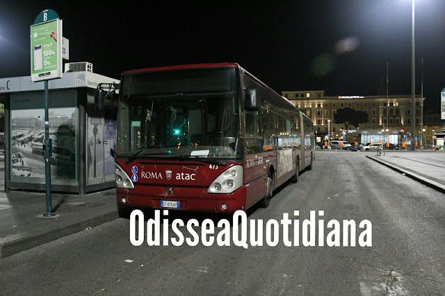 Follia sul bus. Scoppia la rissa, si picchiano in 8