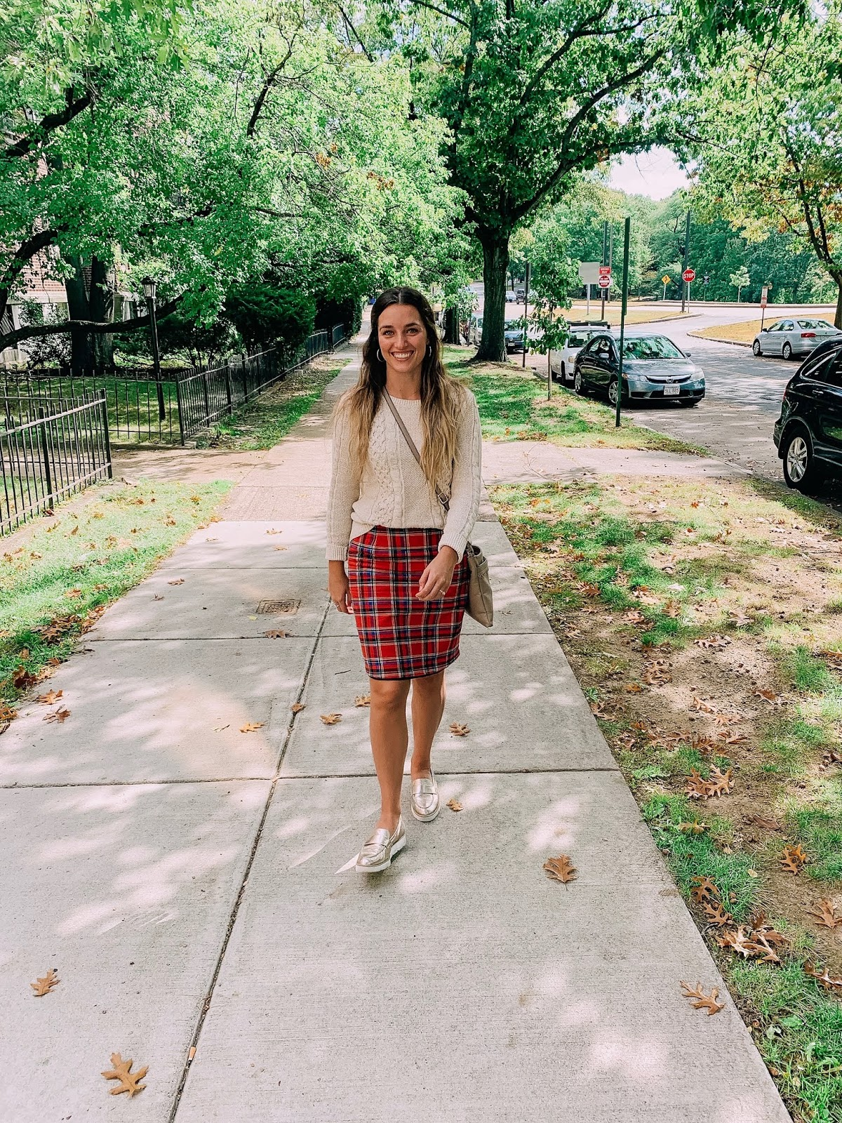 fall outfit ideas with a skirt and sweater