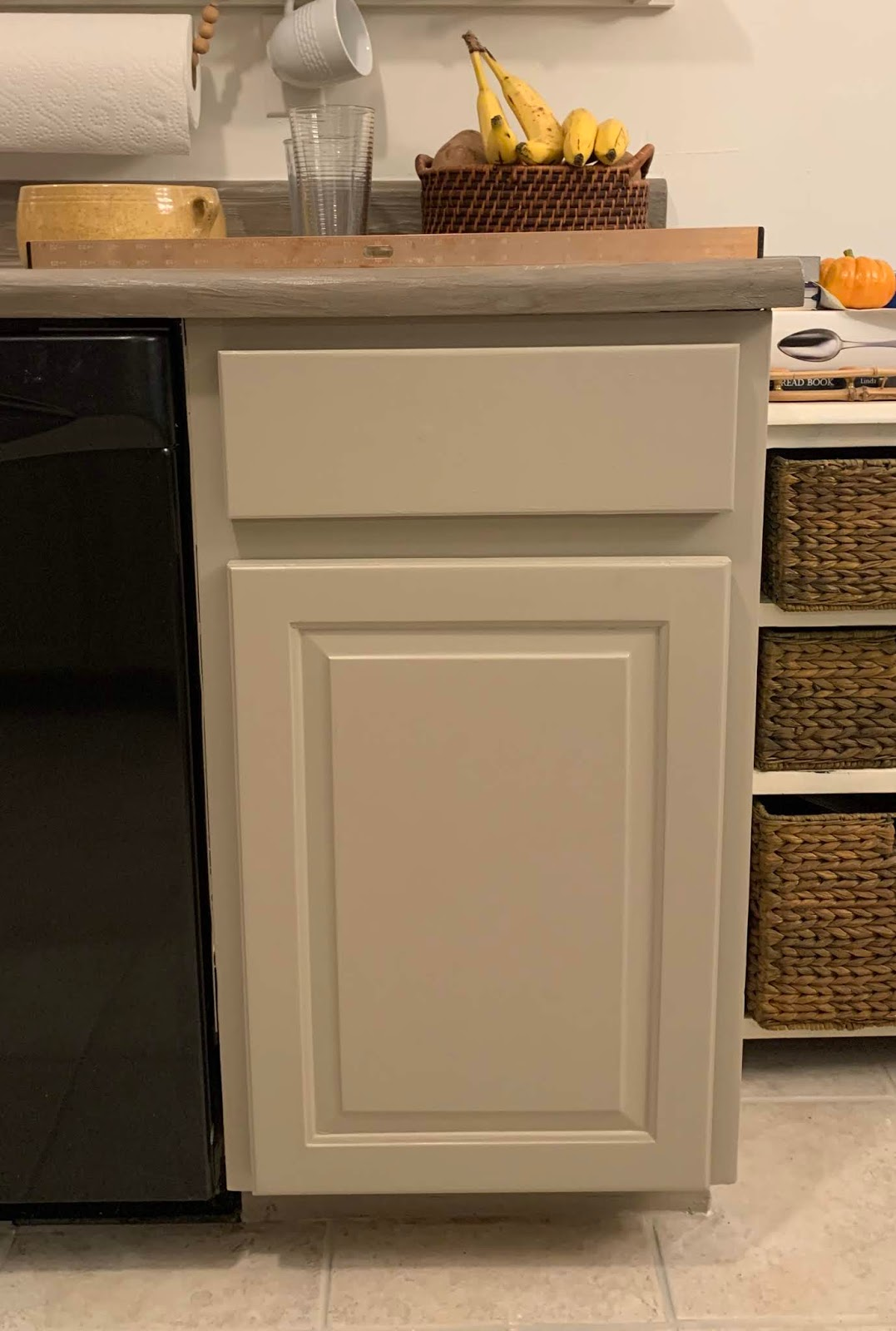 update old outdated cabinet doors to a modern style | House Homemade