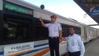 Kaligung Kereta Perdana Yang Awal Pemberangkatannya Melalui Stasiun Cirebon  Prujakan