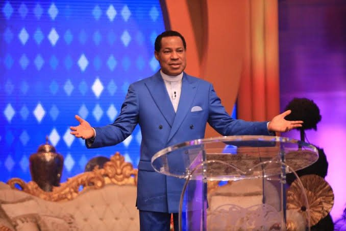 Nigerians React As Pastor Chris Oyakhilome Predicts When Rapture Will Happen