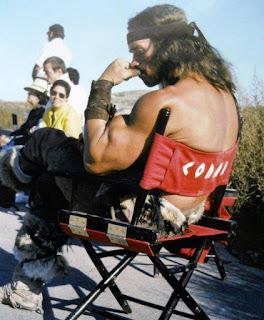 Arnold Schwarzenegger durante el rodaje de Conan