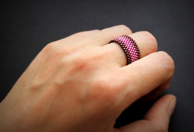 розовое кольцо купить кольцо цвета фуксия изделия из бисера готовые работы