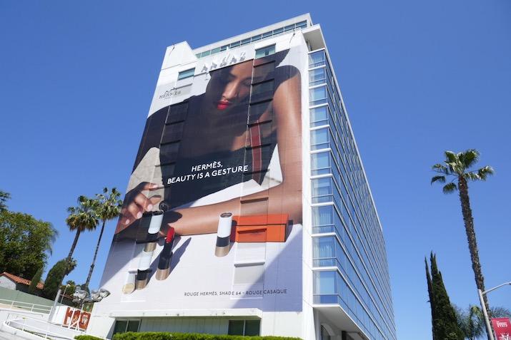 Hermès Beauty is a gesture billboard
