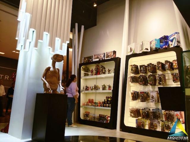 projeto arquitetura loja action figures brinquedos geek nerd mobiliário expositor