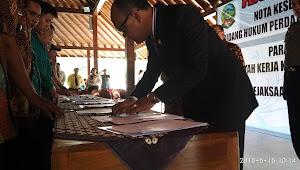 Para Kades Se Wilayah Kerja Kejari Banyumas Tanda Tangani MoU Bidang Hukum Perdata Dan TUN