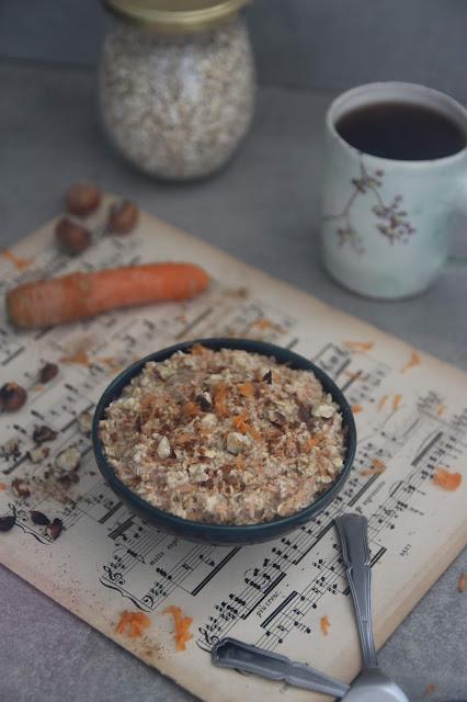 Cuillère et saladier : Porridge express façon carrot cake (vegan)