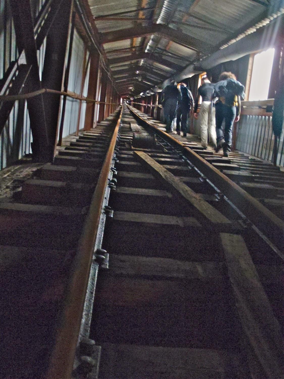 Acceso rampas mineras en Pyramiden