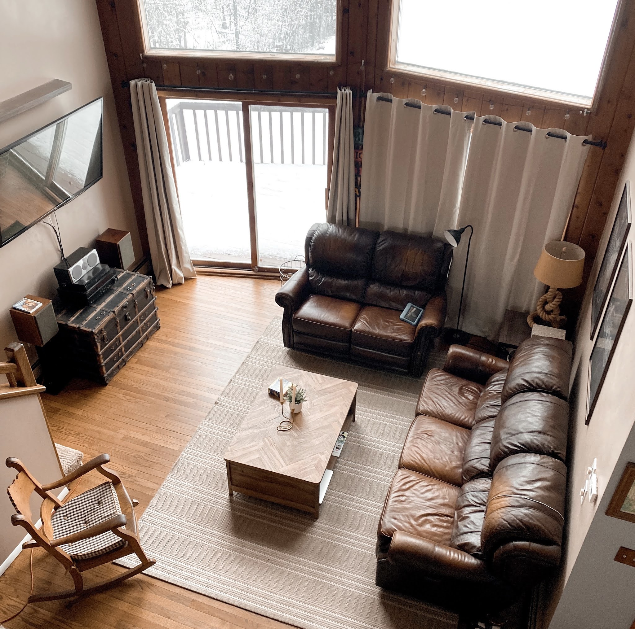 Updated Living Room Arrangement | www.biblio-style.com