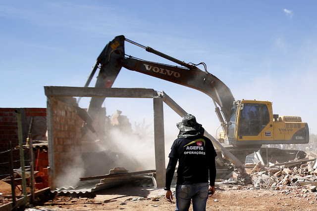 Ibaneis encaminha para CLDF projeto que extingue Agefis
