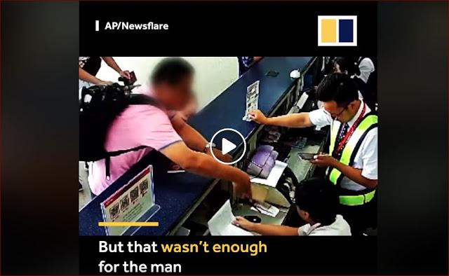 Pria Ini Menampar Petugas Bandar Dengan HP nya Karena Marah Penerbangannya Dibatalkan