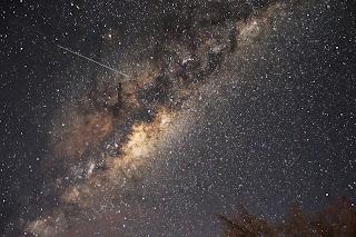 Madrugadas terão chuva de meteoros Orionídeos nesta quarta e quinta