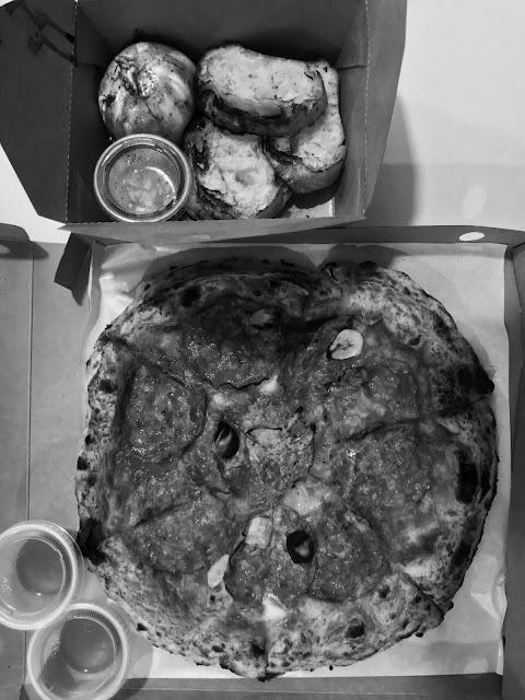 Cicheti, pizza burrata