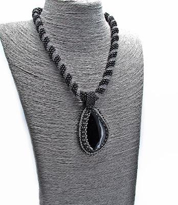 Komplet   biżuterii   koralikowej  z  Agatem