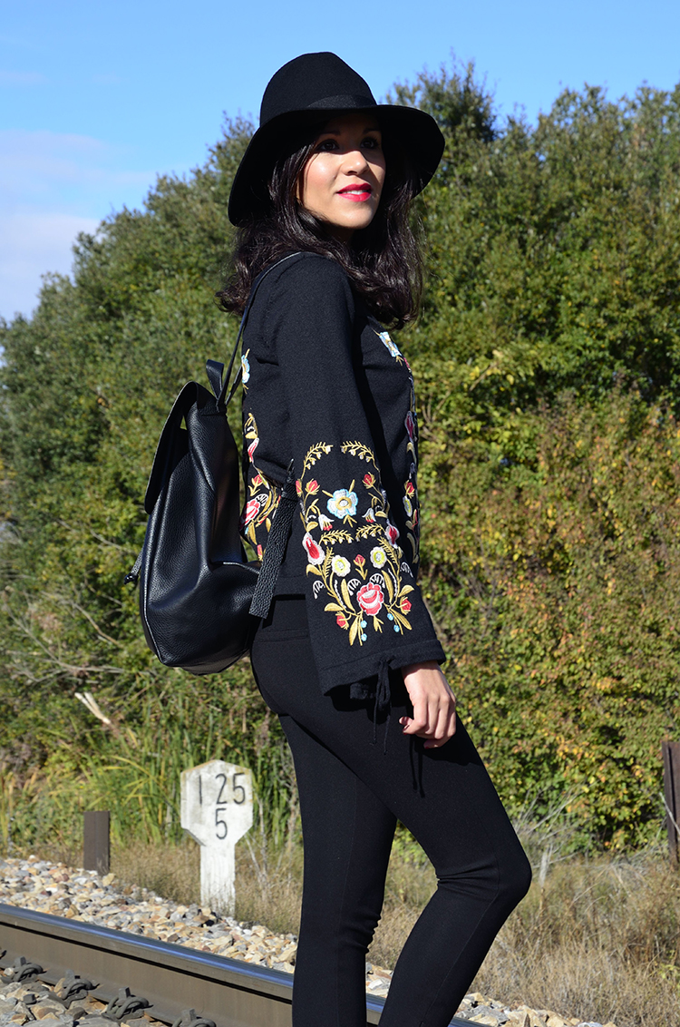 jersey_bordados_embroidery_jeans_fedora_look_outfit_autumn