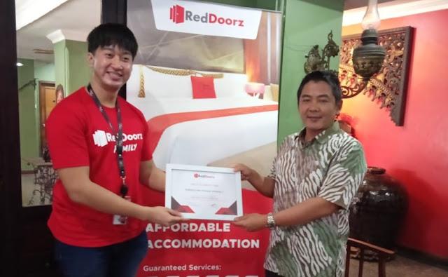 Ingin Pemasaran Bisnis Hotel dan Revenue Hotel Anda Lebih Maksimal, dan Muda ,Ayo Gabung Di Red Doorz Indonesia.