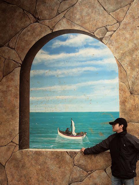 Grafiti atau Lukisan Dinding kapal laut dan pantai