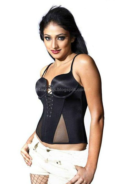Haripriya hot photos