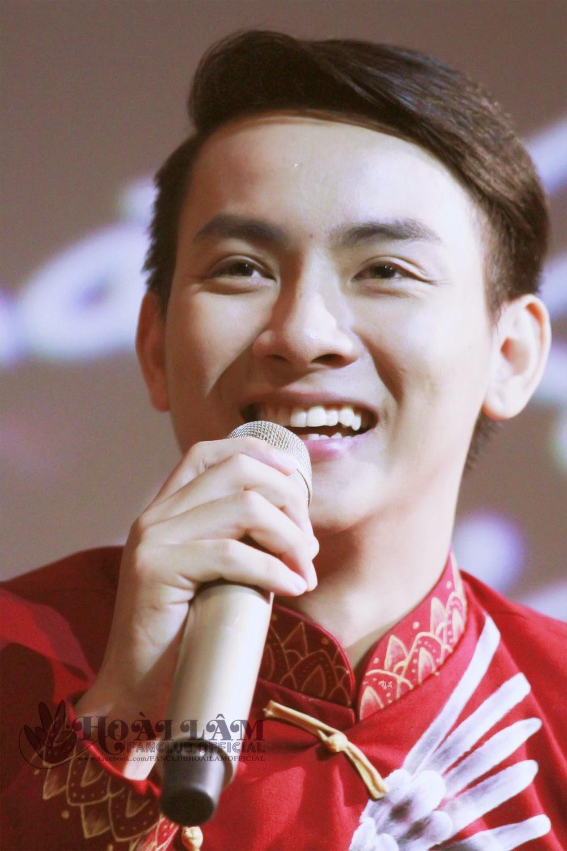 Source: FC Hoài Lâm Official Credit: MM - NL - fan qua đường