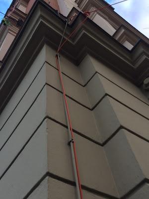 Rote Kabel Schwanthaler Höhe