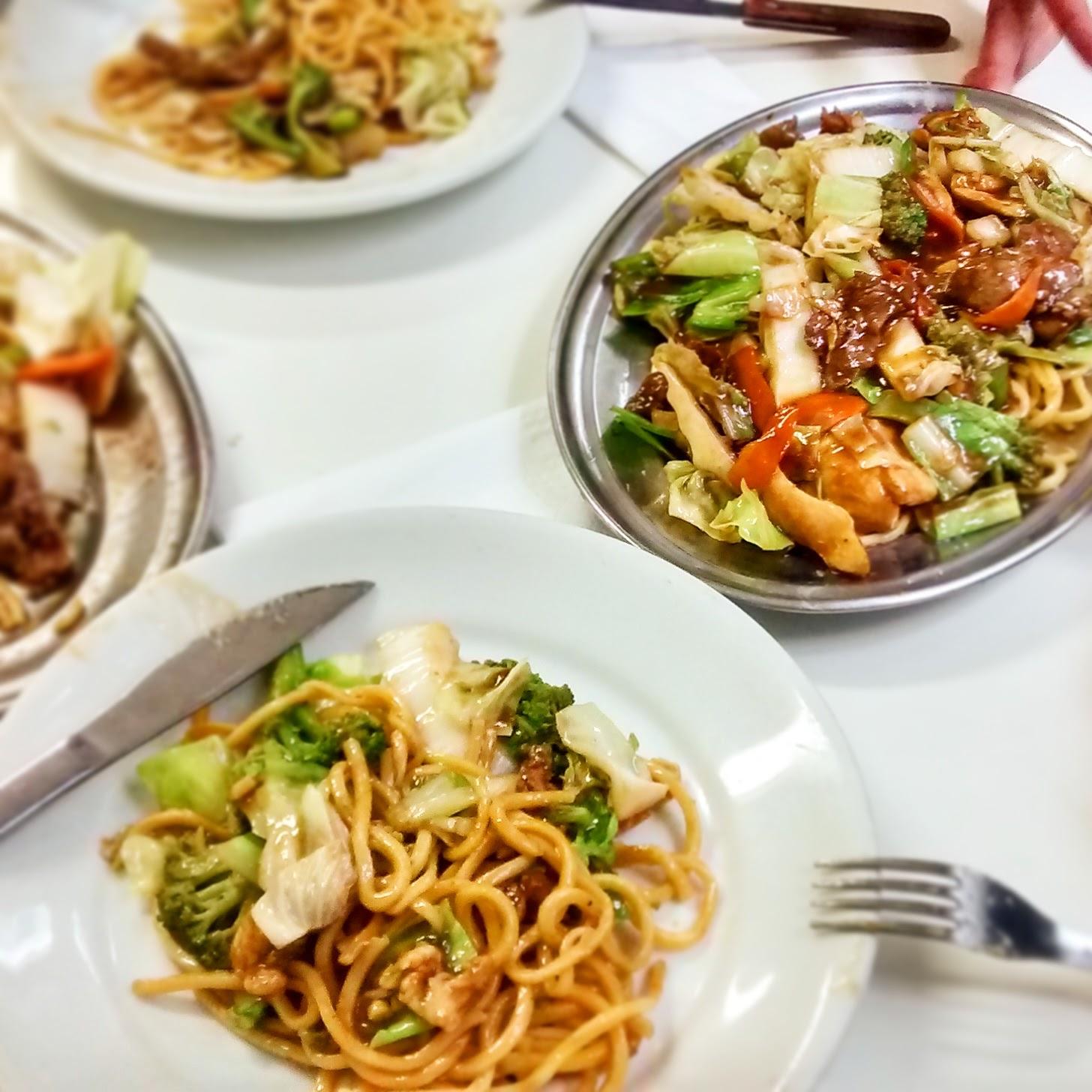 lugares para ir em sp,onde comer em sp,onde comer em sao paulo, yakisoba restaurante sato sp liberdade