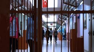 17 ألف امرأه تركية يحتفلن باليوم العالمي للمرأة  في السجون
