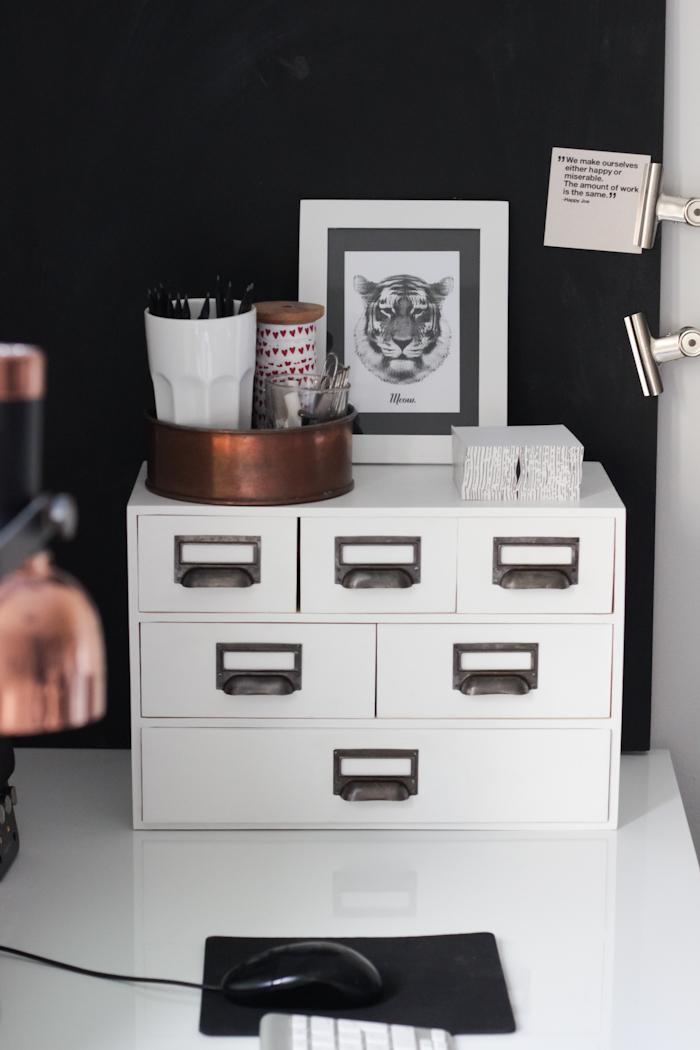 everyday grays moppe hack. Black Bedroom Furniture Sets. Home Design Ideas