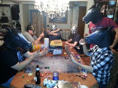 Lustige Menschen Spieleabend mit Freunden