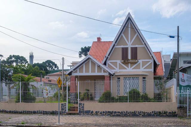 Uma casa na Rua Itupava, Curitiba