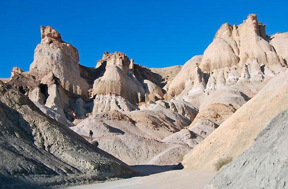 Cerro Alcázar en Calingasta y una leyenda de Huaziul