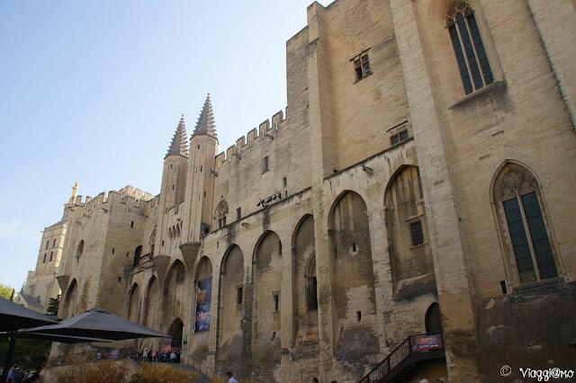 Il Palazzo dei Papi, edificio gotico di Avignone