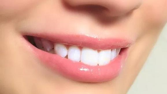 10 Cara Memerahkan Bibir Dengan Bahan Alami Media Berita