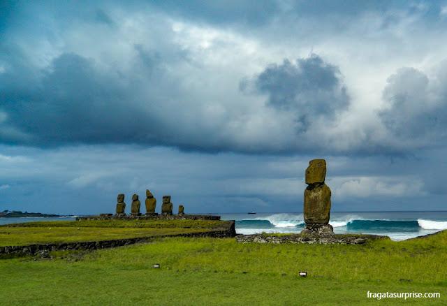 Ilha de Páscoa, Ahu Tahai, plataforma de moai à beira-mar