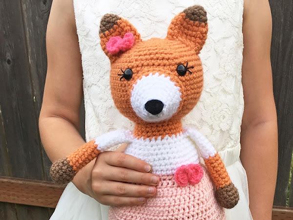 Emma the Fox - A Free Crochet Pattern