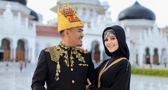 bule prancis menikah dengan amal pemuda aceh