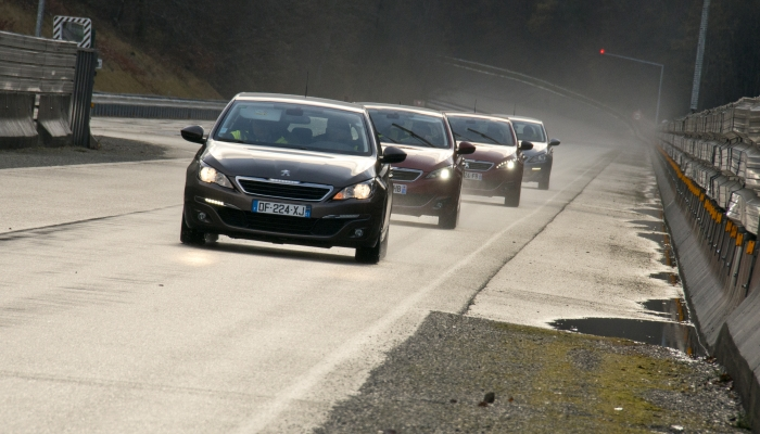 peugeot%2B308%2B Η PEUGEOT με το 308, μας αποδεικνύει οτι και μετά απο 120.000 χλμ παράμενει το ίδιο ποιοτικά Peugeot, Peugeot 308, Peugeot 308 Gti, Peugeot 308GT