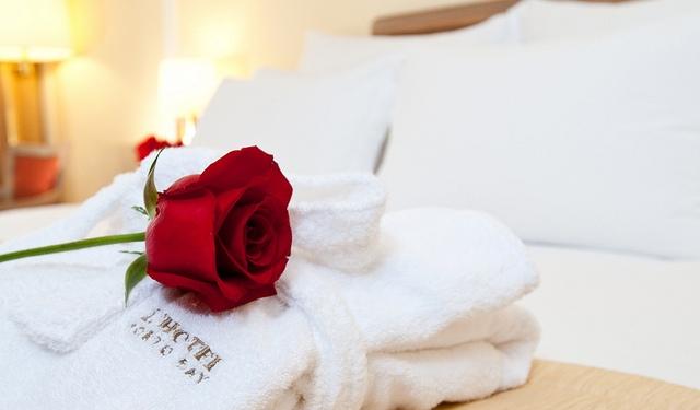Ini 10 Sifat Istri yang Membantu Rezeki Suami Mengalir Deras