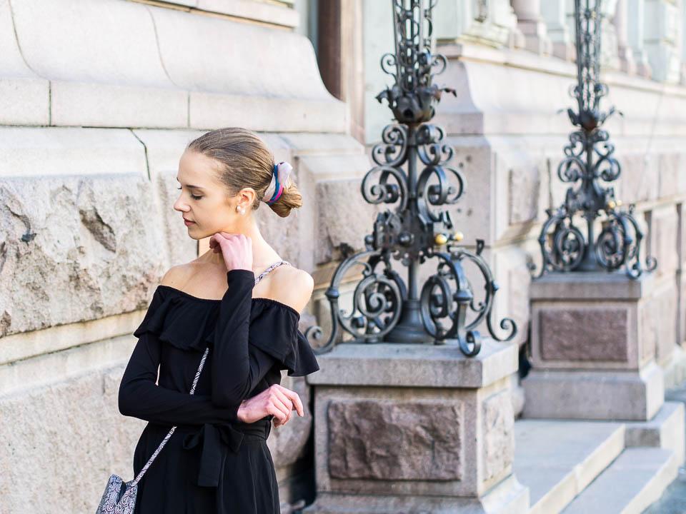 minimal-scandinavian-monchrome-summer-outfit
