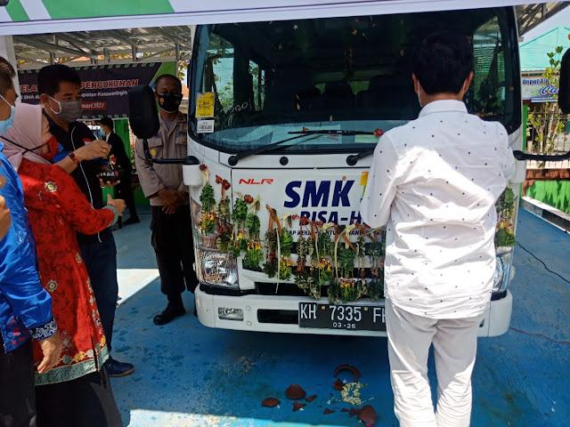Wakapolsek Baamang hadiri kegiatan Penyerahan mobil dari Komite SMKN-1 Sampit