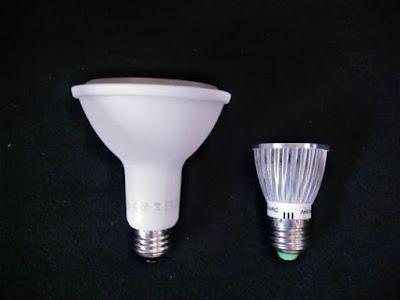 IKEA植物育成用LED電球のサイズ比較