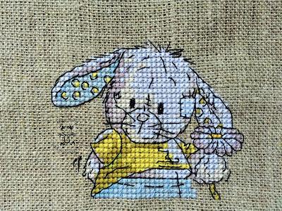 Somebunny – króliczek z kwiatuszkiem